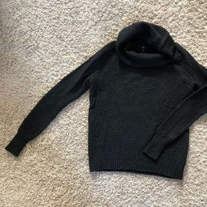 Size M Charcoal Gray Gap Turtleneck Sweater